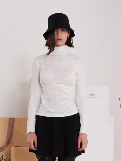 CONTRAST RUFFLED TRIMMING EDGE TURTLENECK T-SHIRT (WHITE)
