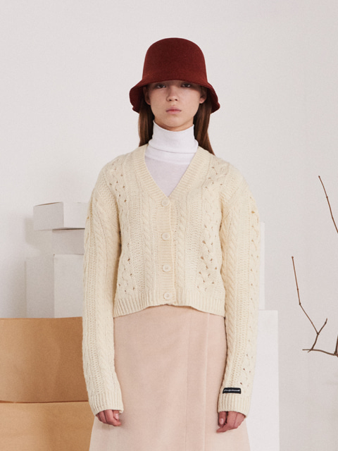 TWISTED SHORT WOOL CARDIGAN (IVORY)