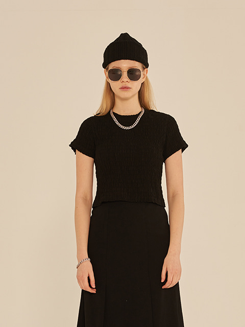 SMOKING SHORT SLEEVE CROP T-SHIRT (BLACK)