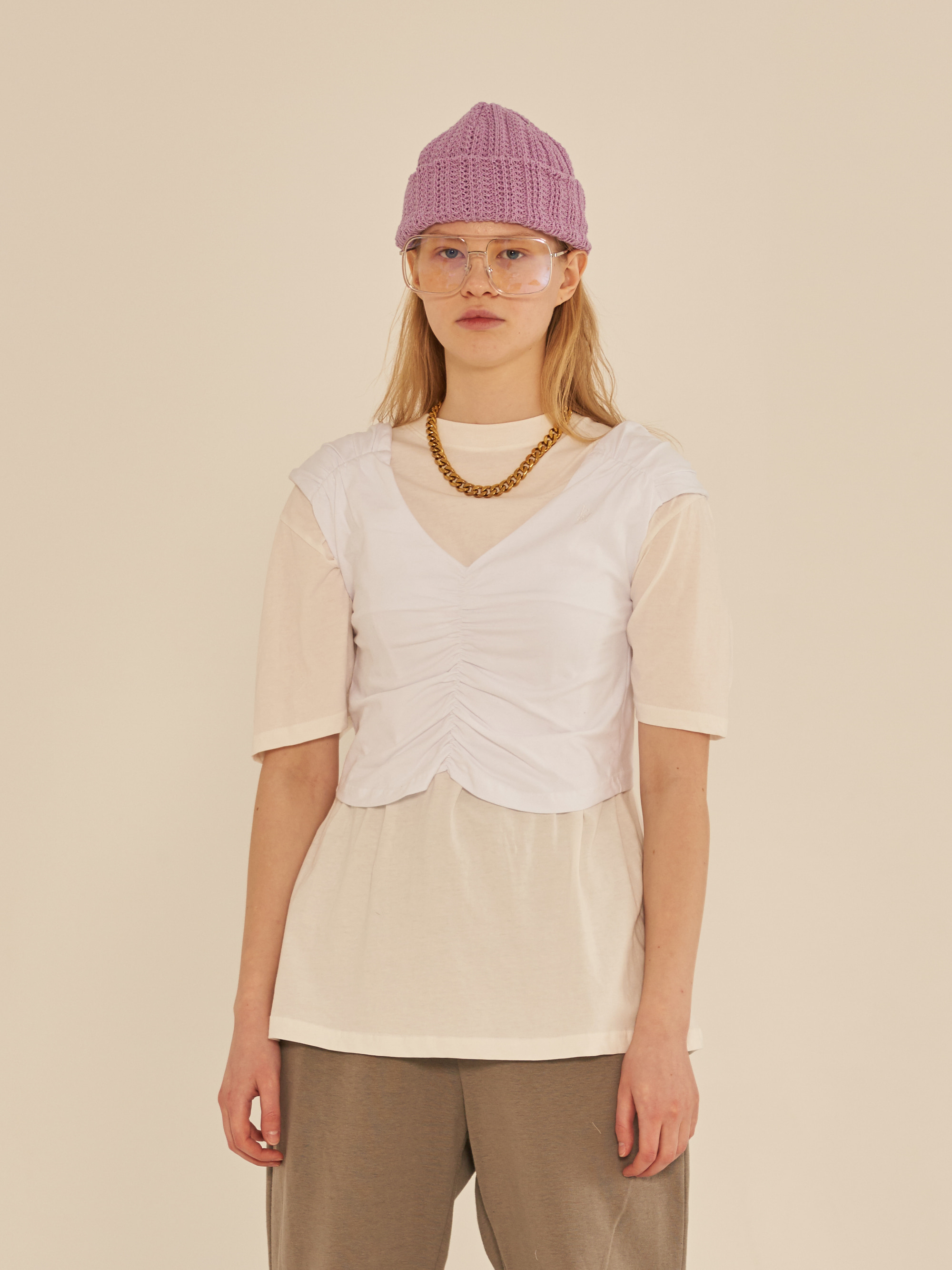 SLEEVELESS SHIRRING T-SHIRT (WHITE)