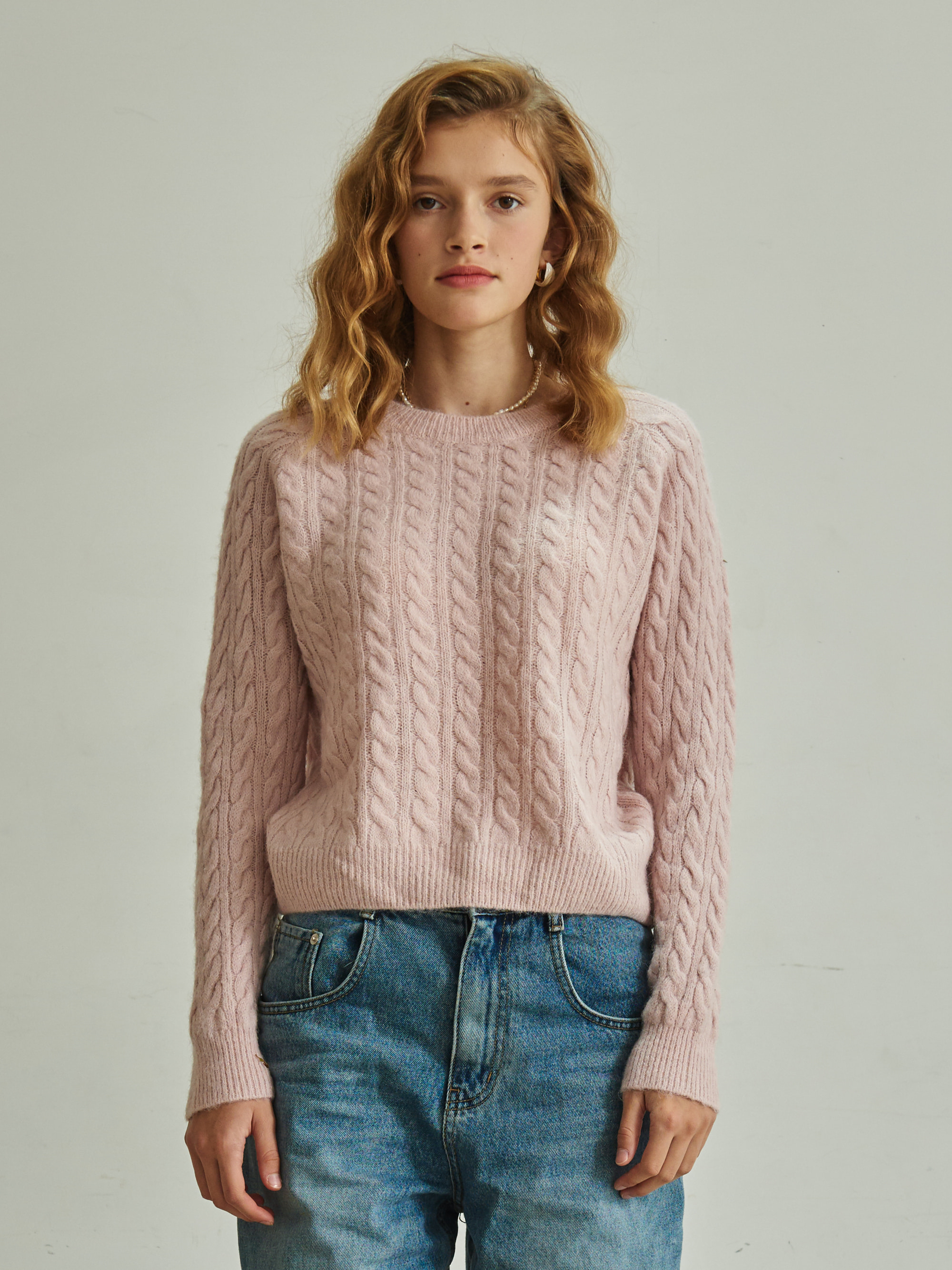 CABLE KNIT ROUND-NECK SWEATER (PINK)