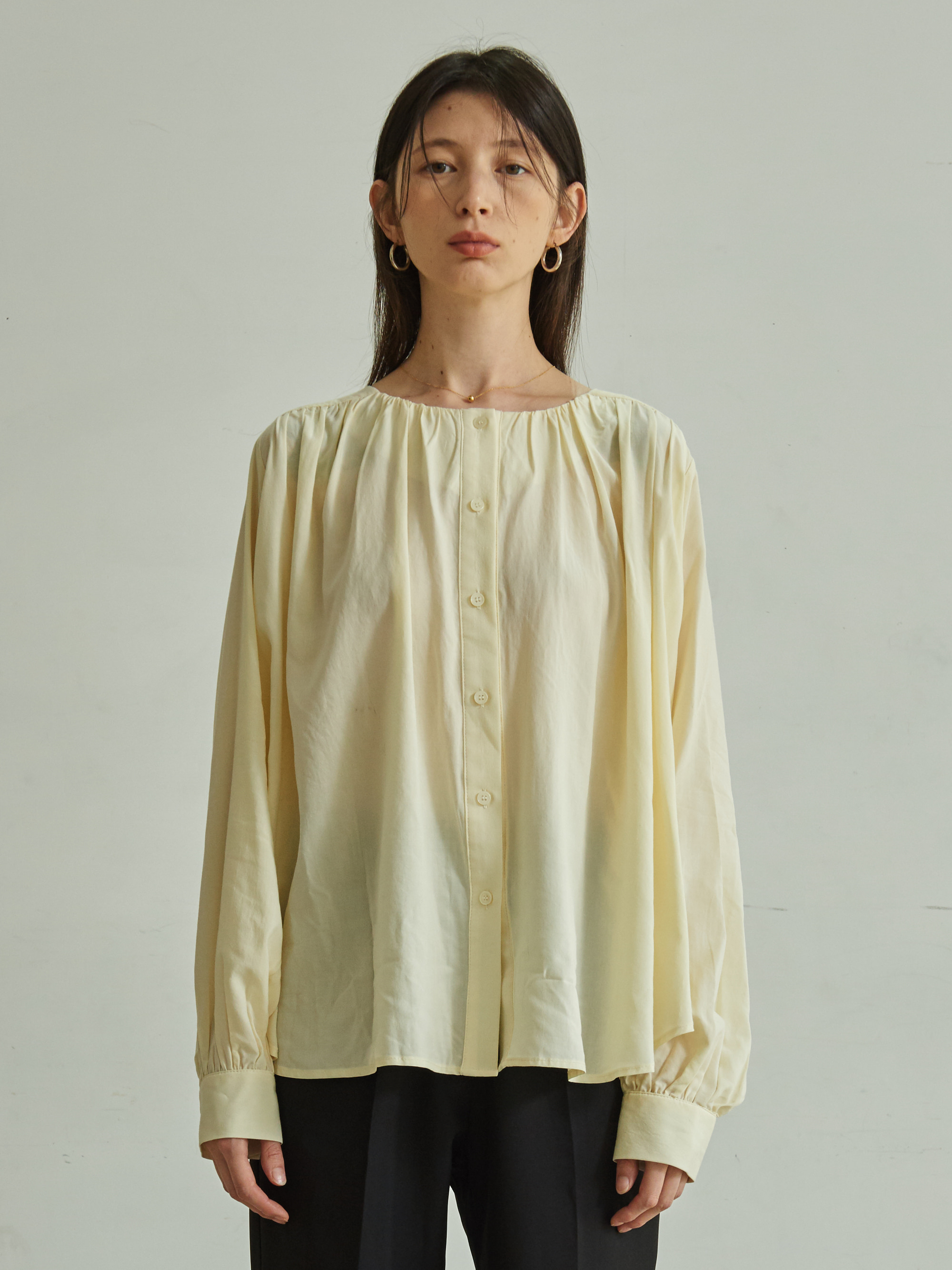 LONG SLEEVE SHIRRING BLOUSE (IVORY)