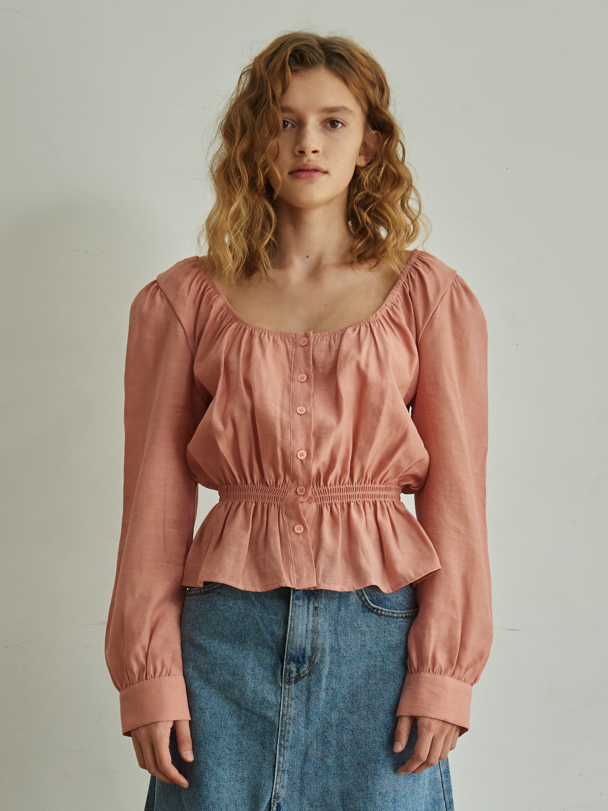 BACK BANDING SHIRRING BLOUSE (PINK)