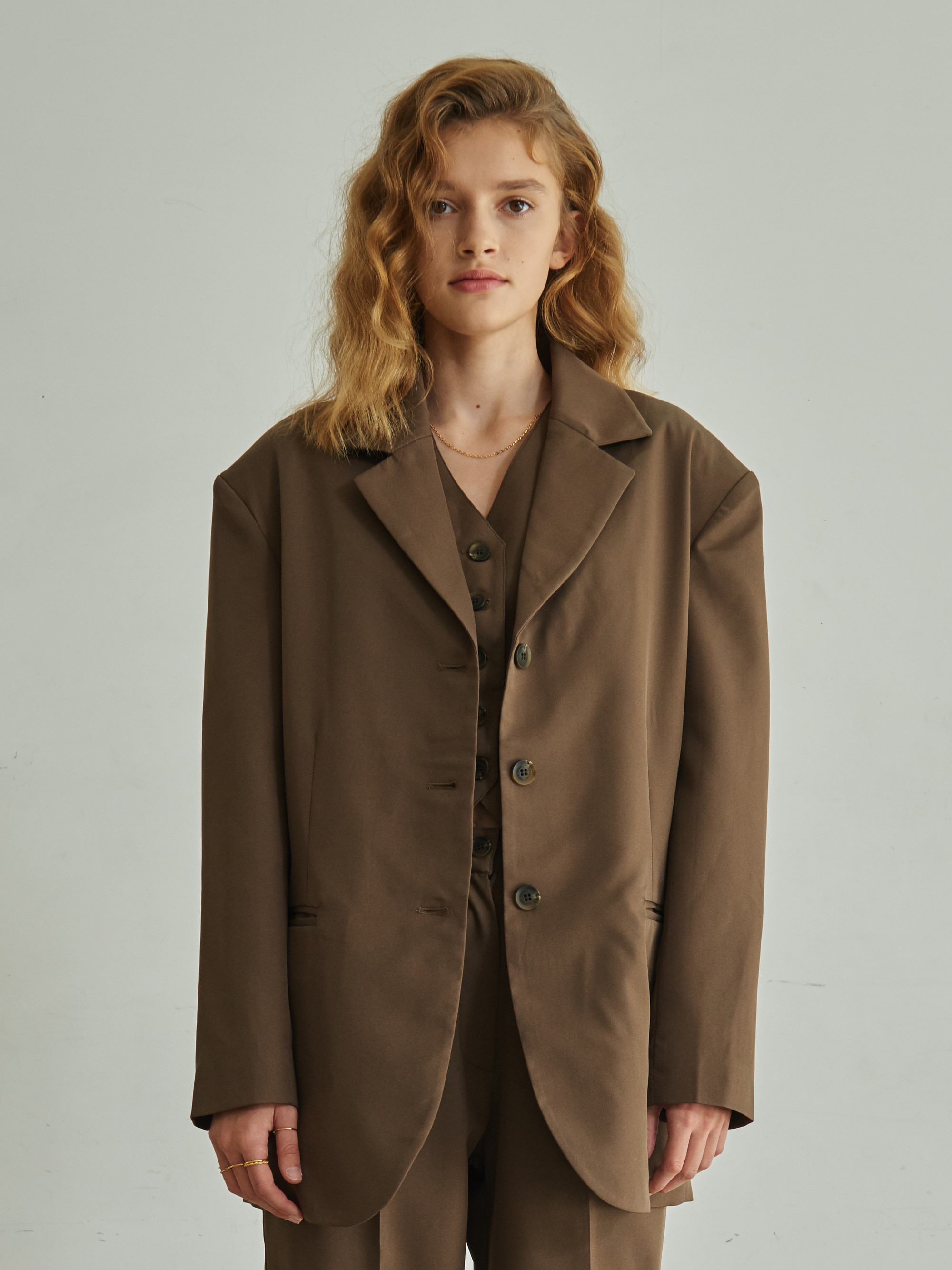 DROP SHOULDER BELTED JACKET (BROWN)