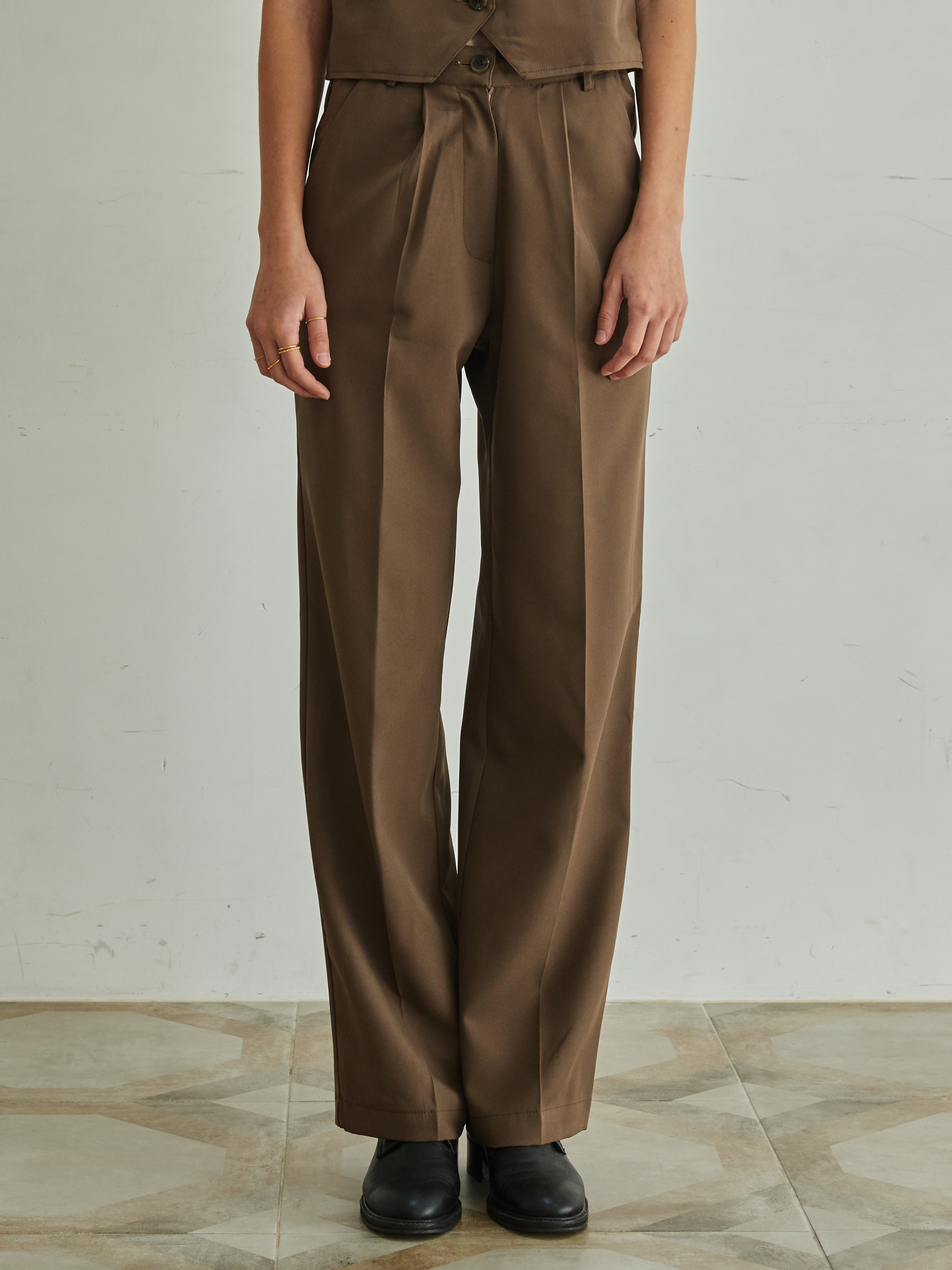 BANDING SETUP SLACKS (BROWN)