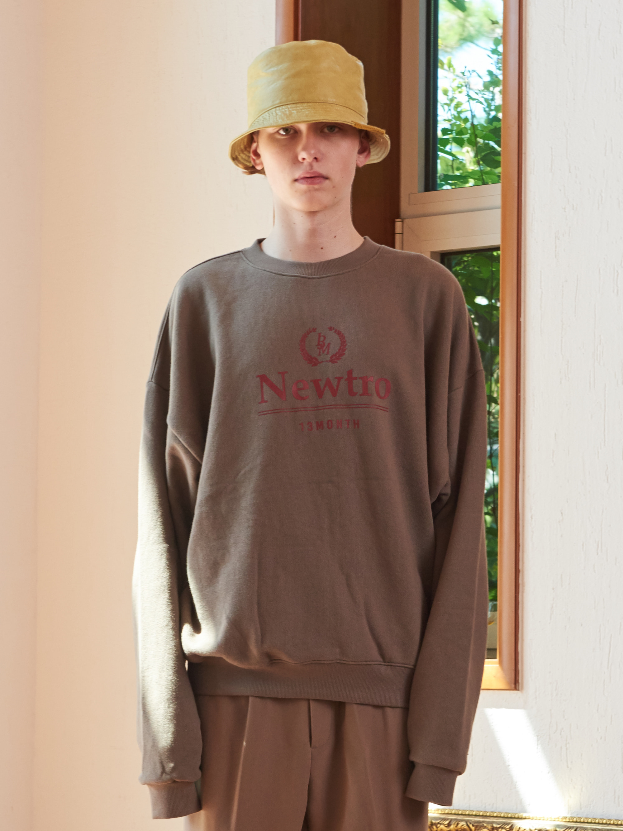 NEWTRO PRINTING SWEAT SHIRT (KHAKI)