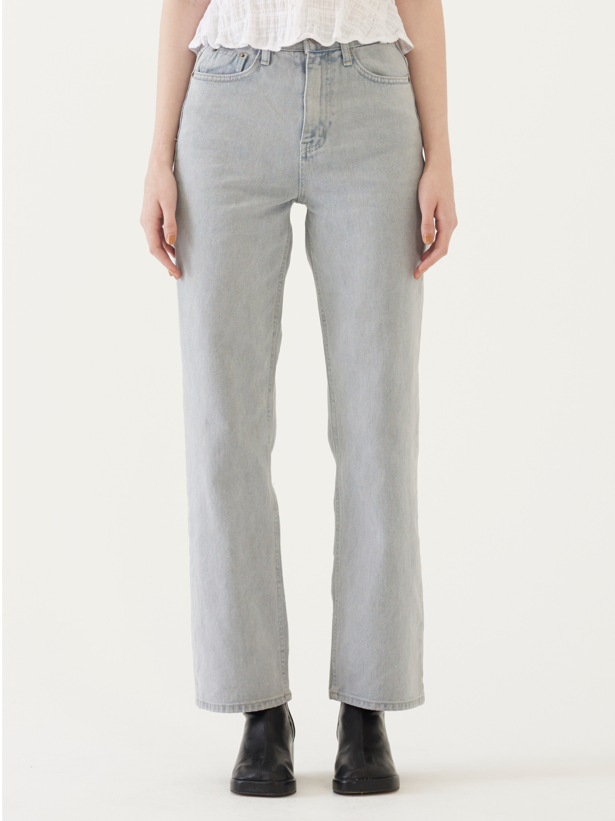 STRAIGHT FIT JEANS (GRAY)