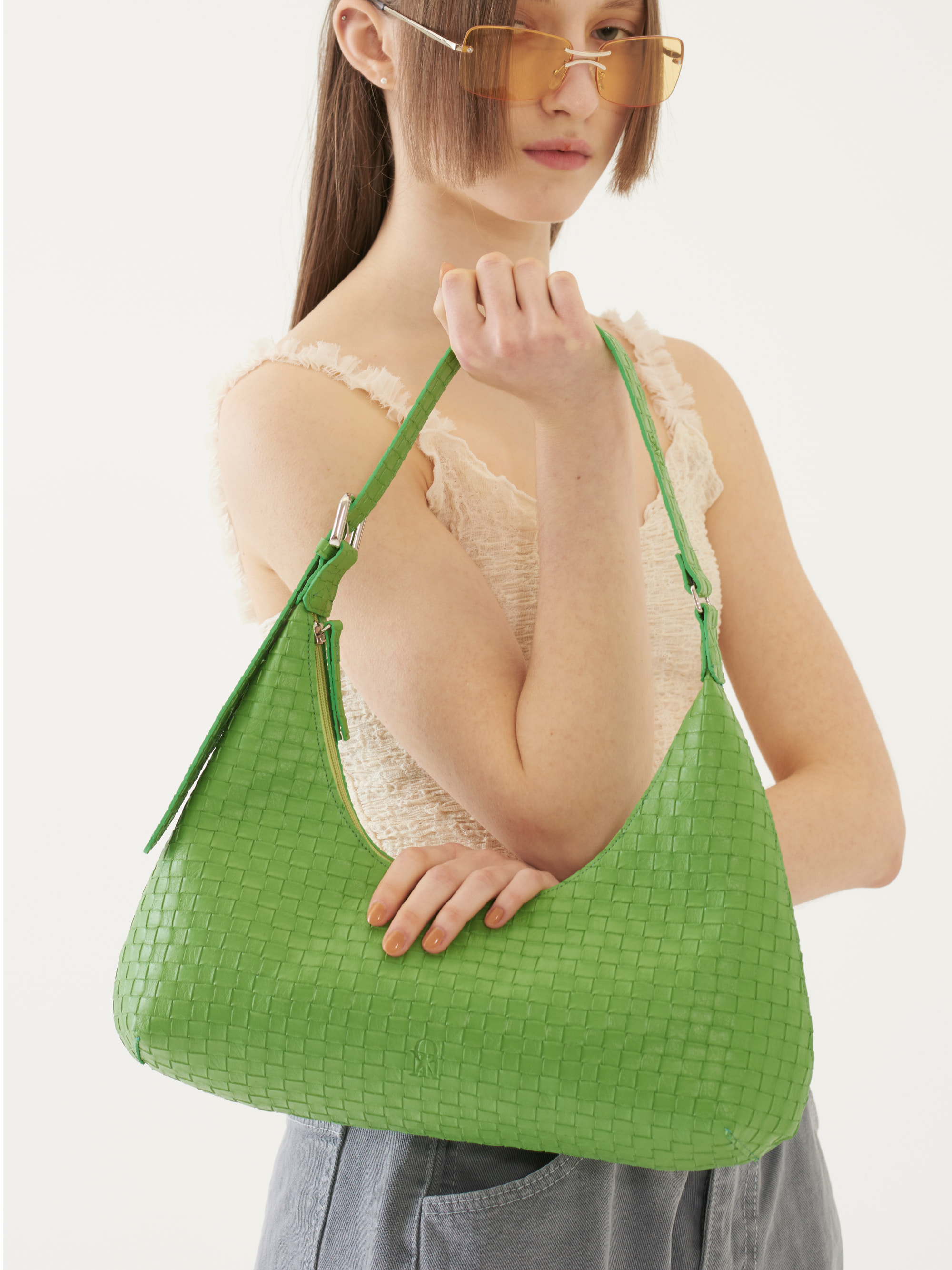 [Ship Date: 5/7] CURVED SHAPE BAG (GREEN)